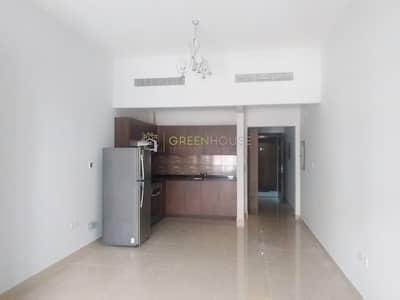 استوديو  للايجار في قرية جميرا الدائرية، دبي - Spacious 500+sq.ft. Studio | Fully Equipped Kitchen | BOTANICA