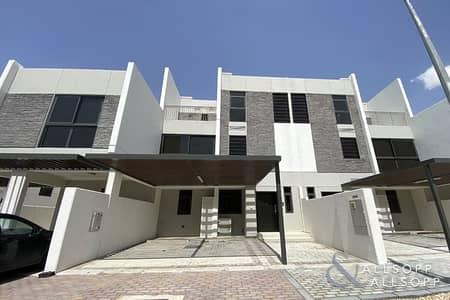 تاون هاوس 5 غرف نوم للايجار في أكويا أكسجين، دبي - Brand New   5 Bedroom + Maid   Well Priced