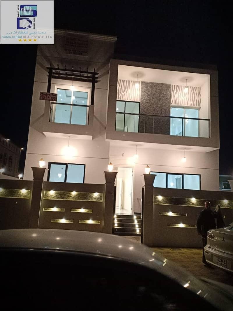 فيلا  تصميم حديث وجذاب مساحة مناسبة قريبة من جميع الخدمات بمنطقة الياسمين(عجمان) للتملك الحر لجميع الجنسيات