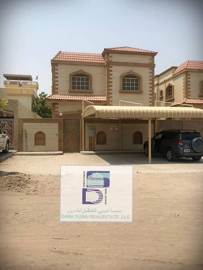 5 Bedroom Villa for Rent in Al Mowaihat, Ajman - Nice villa direct on the road perfect location for rent very clean