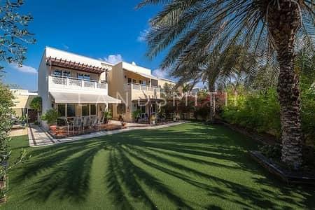 فیلا 4 غرف نوم للبيع في السهول، دبي - Vacant on Transfer Huge Plot Upgraded 4BR Villa