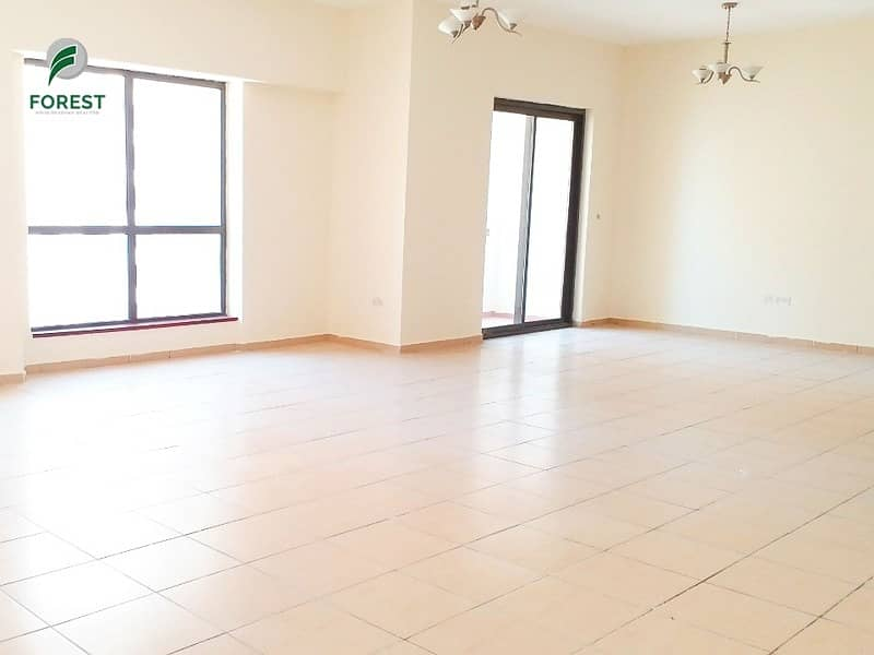 2 Spacious 4 Bedrooms with Sea View | Vacant