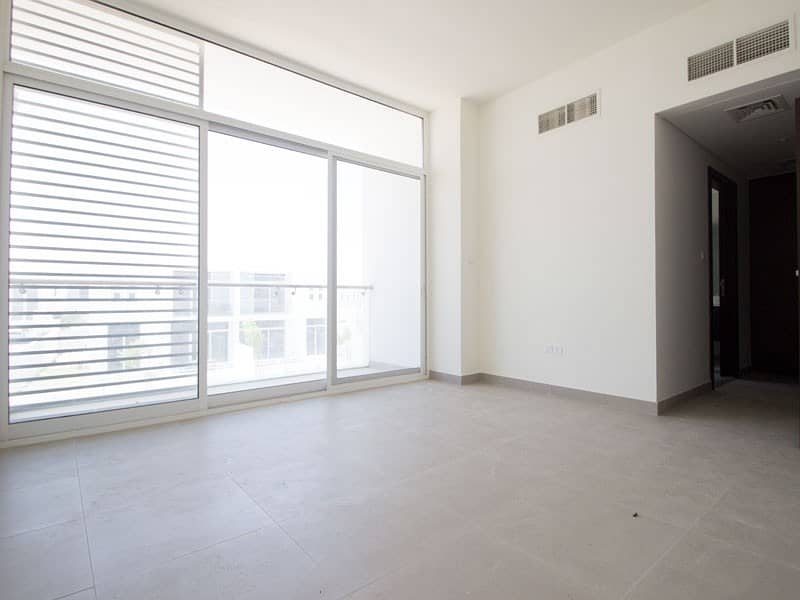 10 Single row villa| 20 mins to MOE|Pay in 6 years |
