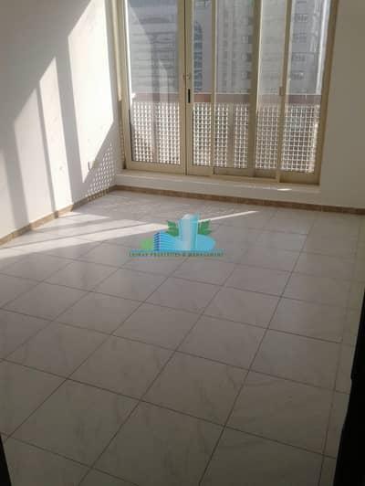 شقة 2 غرفة نوم للايجار في شارع الدفاع، أبوظبي - Charming Two Bedrooms waiting for you and make it your Home.