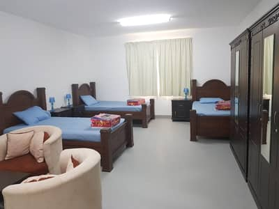سكن عمال  للايجار في مصفح، أبوظبي - BED ROOM