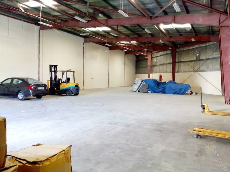 Aed 23/Sqft  for 4824 Sqft  Well Maintained Warehouse in DIP