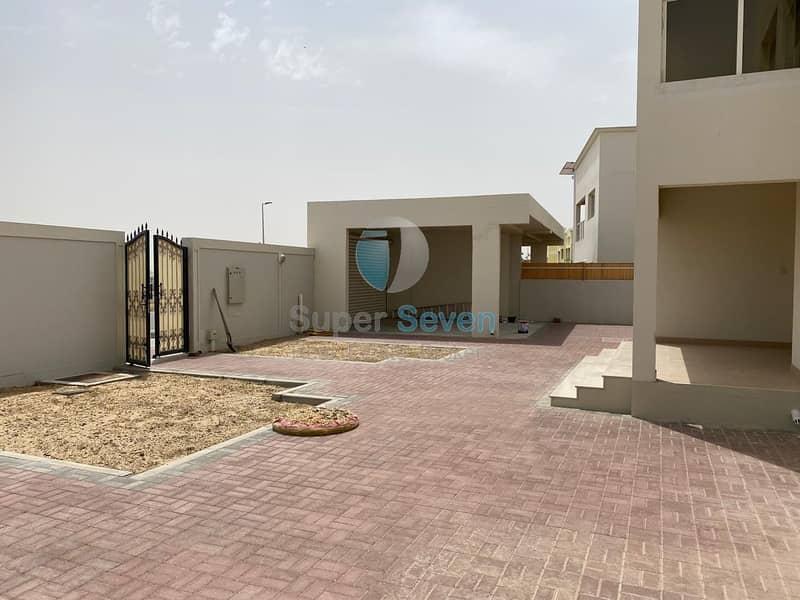 Independent 5- Bedroom villa for rent Barashi Sharjah Call (Mazhar)