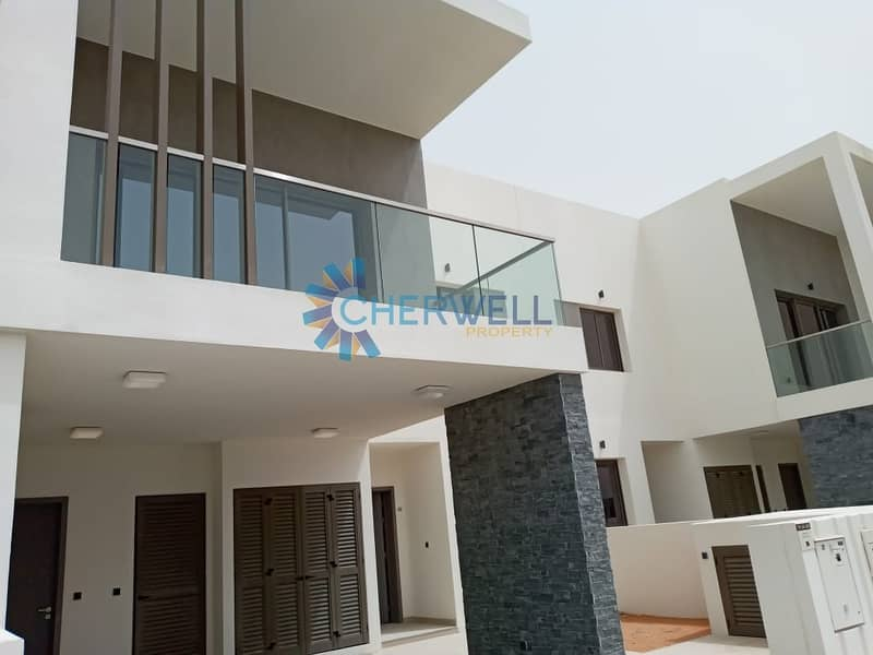 Luxurious Spacious Residences in Yas Island!!   Semi Furnished Kitchen