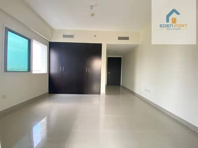 Spacious unfurnished one bedroom apartment