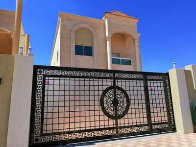 فیلا 5 غرف نوم للبيع في المويهات، عجمان - فيلا للبيع تشطيب شخصي مقابل مسجد بسعر لقطه