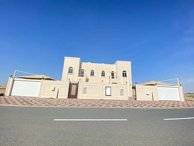 فیلا 4 غرف نوم للايجار في حوشي، الشارقة - فیلا في حوشي 4 غرف 80000 درهم - 4560673