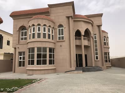 6 Bedroom Villa for Sale in Barashi, Sharjah - Traditional 6-Bedroom Villa For Sale in Al Barashi Sharjah