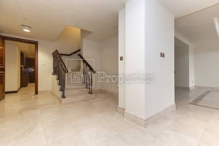 3 Bedroom Flat for Rent in Palm Jumeirah, Dubai - Spacious Light Filled Beauty With Brilliant View