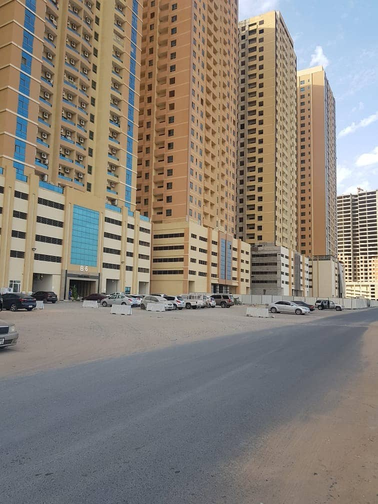 BEST OFFER !! 4 BHK BEAUTIFUL SPACIOUS WITH PARKING PARADISE LAKE TOWER DIRECT EMIRATES ROAD