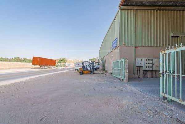 2 Exclusive | Warehouse | with 2 Fitted Cabins | Umm Ramool