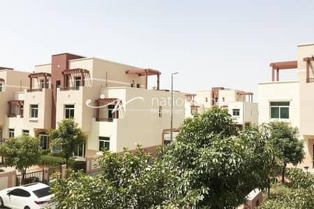 استوديو  للايجار في الغدیر، أبوظبي - Unmatched Terraced Studio For 4 Payments In Al Ghadeer