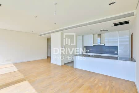 3 Bedroom Apartment for Sale in Jumeirah, Dubai - Vacant 2 Bed Apt | Sunny External Facing