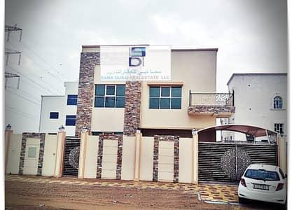 فیلا 5 غرف نوم للبيع في الياسمين، عجمان - تصميم أوروبى حديث بسعر مميز وقريبة من جميع الخدمات للتملك الحر لجميع الجنسيات
