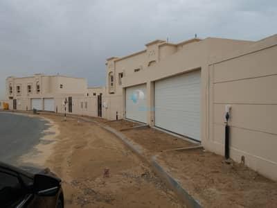 4 Bedroom Villa for Rent in Barashi, Sharjah - 4-Bed villa with kitchen appliance for rent Barashi Sharjah