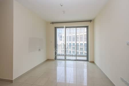 Vacant 1 Bedroom Apt Pool and Opera View