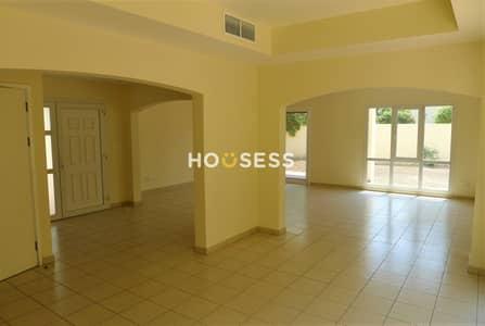 فیلا 3 غرف نوم للايجار في السهول، دبي - Large Bright Villa - Ready to move in