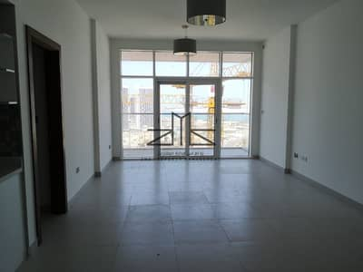 2 Bedroom Apartment for Rent in Al Reem Island, Abu Dhabi - living area