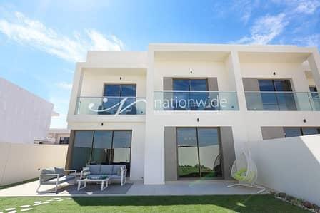 فیلا 3 غرف نوم للبيع في جزيرة ياس، أبوظبي - Discerning 3 BR with Maids And Storage Room In Yas Acres