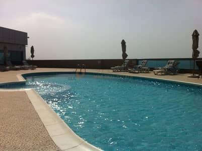 فلیٹ 2 غرفة نوم للايجار في كورنيش عجمان، عجمان - شقة في برج الكورنيش كورنيش عجمان 2 غرف 53000 درهم - 4562041