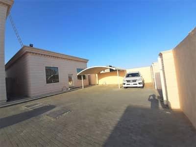 فلیٹ 1 غرفة نوم للايجار في مدينة محمد بن زايد، أبوظبي - شقة في مركز محمد بن زايد مدينة محمد بن زايد 1 غرف 42000 درهم - 4511237