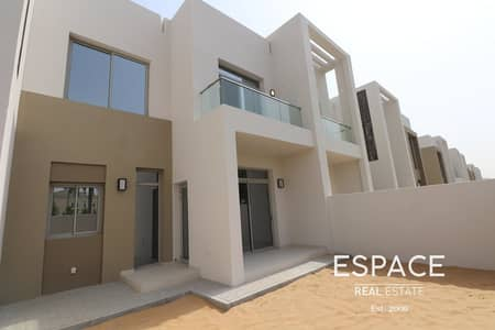 3 Bedroom Villa for Rent in Arabian Ranches 2, Dubai - Spacious 3 Bed Townhouse - close to Pool and Park