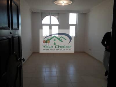 شقة 1 غرفة نوم للايجار في شارع الدفاع، أبوظبي - Newly Renovated 2 Bedroom for 45