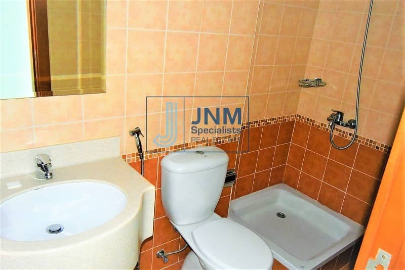 11 Well Maintained 2BR Apartment | Marina & Lake View