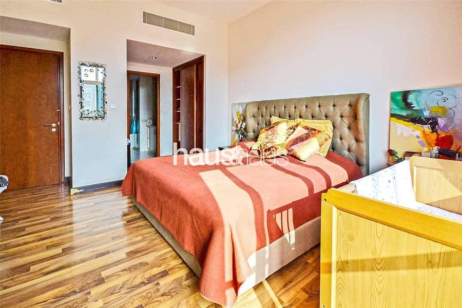 10 Upgraded 3 bed | Corner unit | Park view