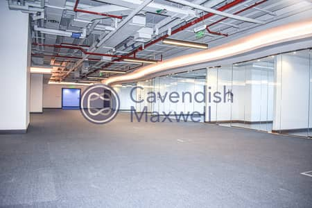 مکتب  للايجار في شارع الشيخ زايد، دبي - Recently Upgraded and Fully Fitted Office