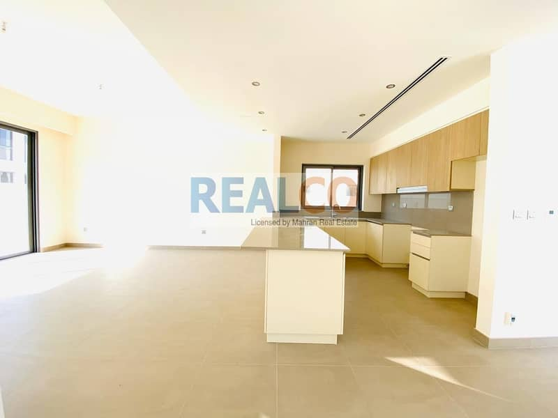2 Best Location on the park 5bed sidra villa move in