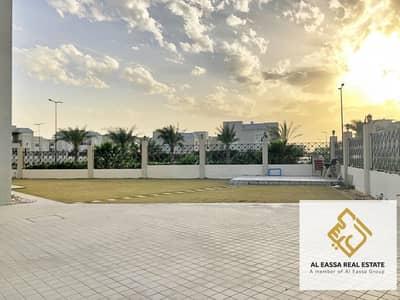4 Bedroom Villa for Rent in Dubailand, Dubai - Massive 10