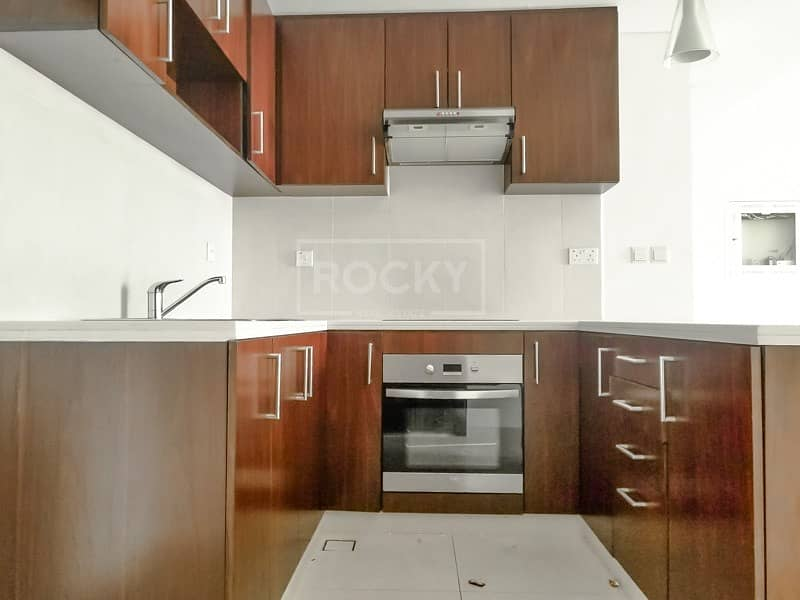 2 Spacious Bright Unit | Ready To move in |T1