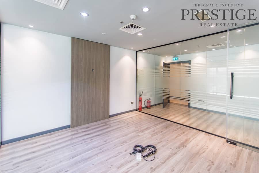 12 Office Space|Ready To Move In|Prime Location