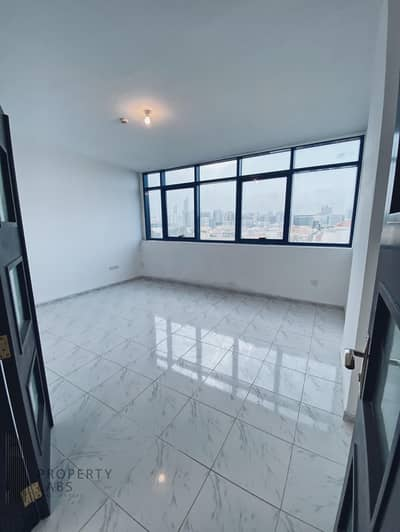 شقة 2 غرفة نوم للايجار في شارع الدفاع، أبوظبي - Spacious and Clean 2 Bed room Apartment in Abu Dhabi City