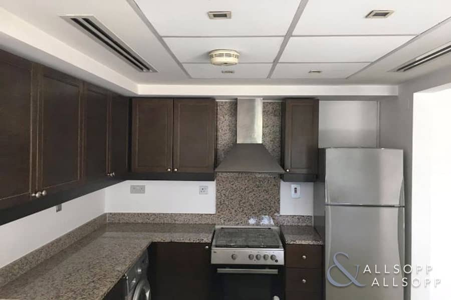 10 Exclusive 1 Bed   Backing Park   Available