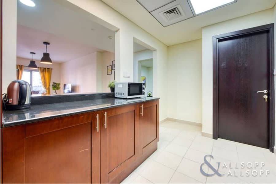 10 Fully Furnished | One Bedroom Apartment