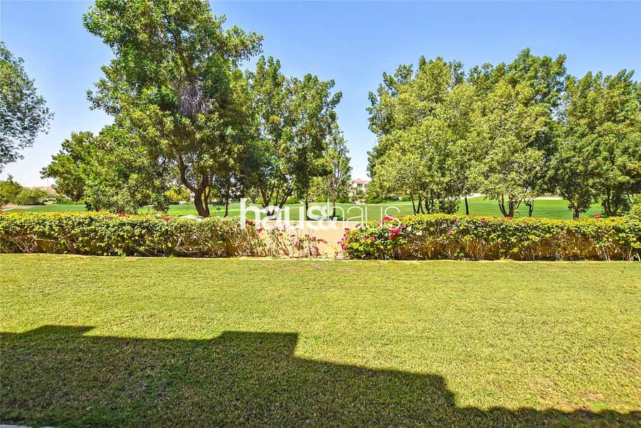 2 Upgraded Girona with Earth golf course views