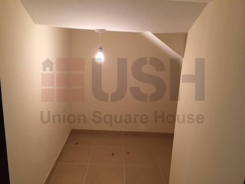 10 DISTRESS 4 Bed Corner Villa Um Al Quwain