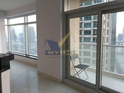 شقة 1 غرفة نوم للايجار في وسط مدينة دبي، دبي - Unfurnished| Mid FLoor| Sheikh Zayed road View