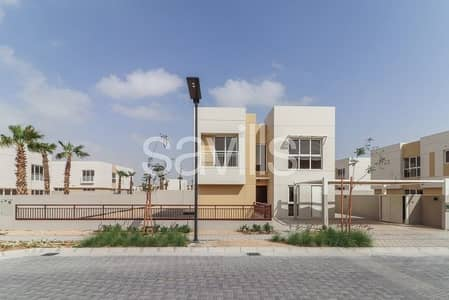 5 Bedroom Villa for Rent in Muwaileh, Sharjah - Park facing brand new 5 bedroom villa PLUS