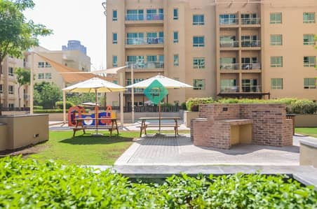 Studio for Rent in The Greens, Dubai - Fully Furnished Studio Free Internet Ready to Move in