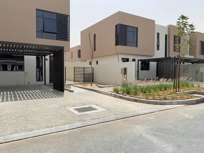 The first villa of 3 rooms and a hall close to Nesma housing