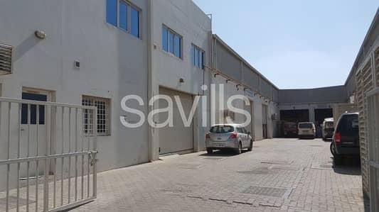 مکتب  للايجار في المنطقة الصناعية، الشارقة - Semi fitted office space in Industrial Area 15