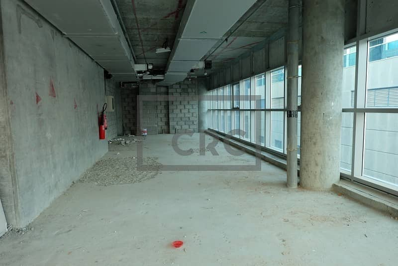 2 Direct Parking | Canal View | Corner | Binary