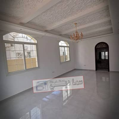 5 Bedroom Villa for Sale in Al Mowaihat, Ajman - Own your dream villa, super lux finishing area of Al Mowaihat at a very attractive price